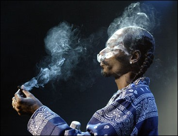 Snoop-Dogg-Blunt