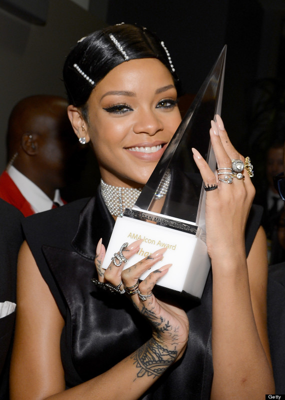 2013 American Music Awards - Backstage And Audience